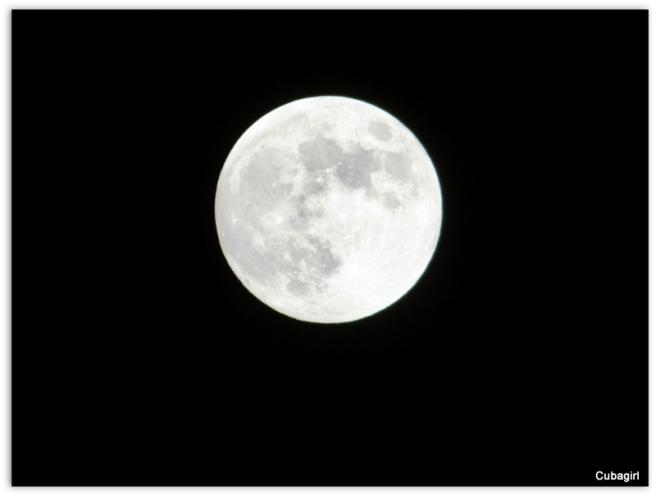 Full Moon 10-07-2014 shot with Panasonic Luminix DMC-FZ70